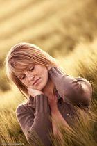 Jenny im Korn -2-