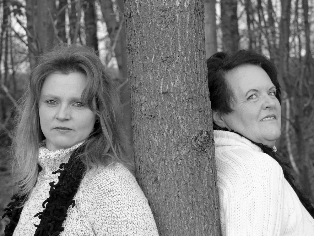 Jenny & Sabine [1]