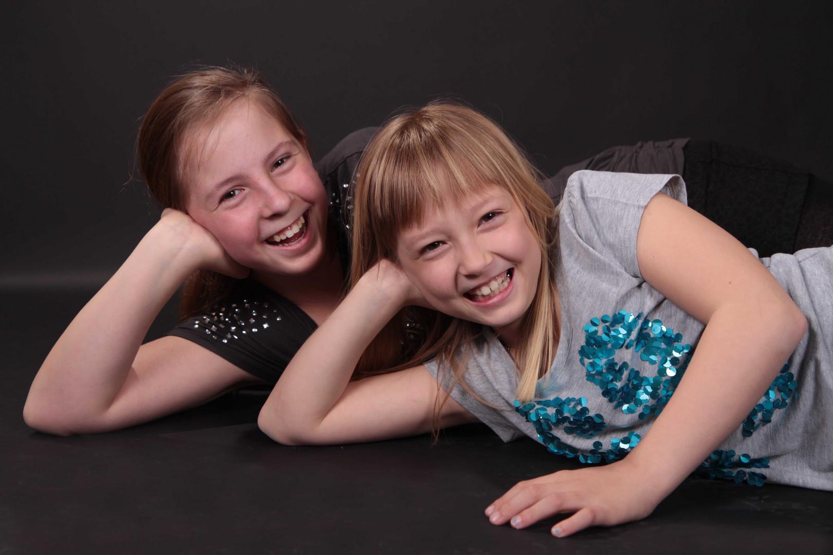Jenny und Jessy - Spaß beim Shooting
