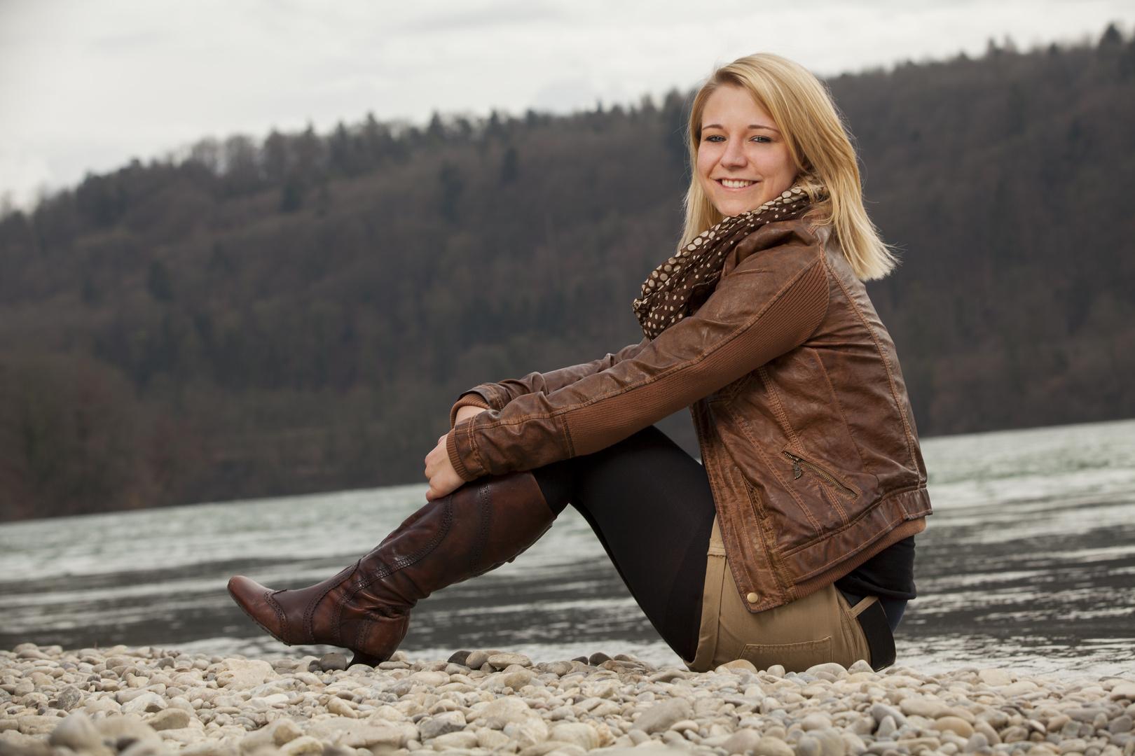 Jessi am Rhein 2 . . .