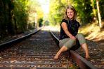 Jessi auf den Gleisen