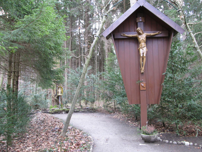 Jesus & Maria im Wald 2-2