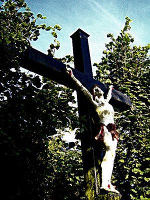 JESUS sur la croix .