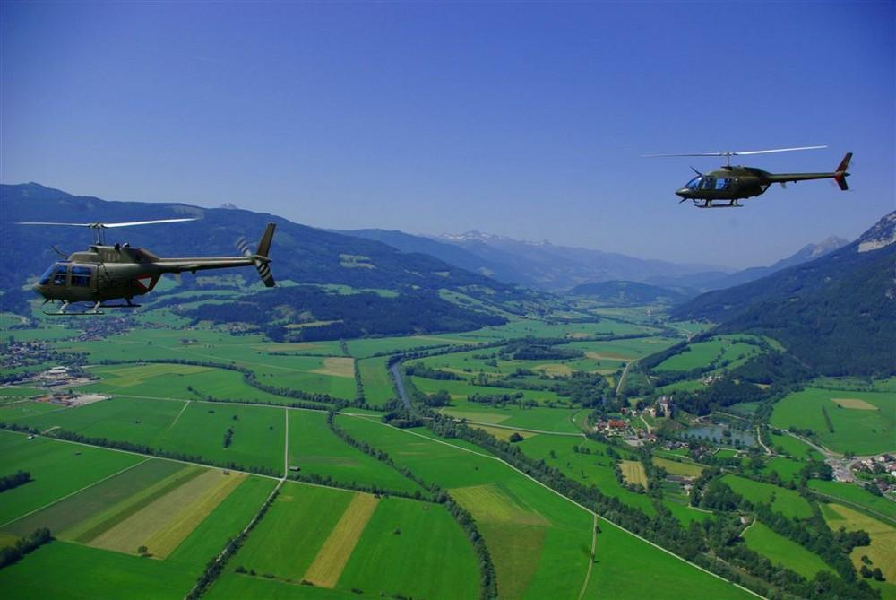 Jet Ranger über Alpental