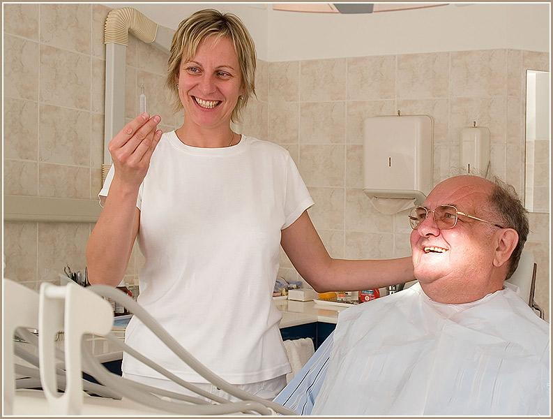 Jetzt trägt er seine Goldreserven im Zahn ;-)