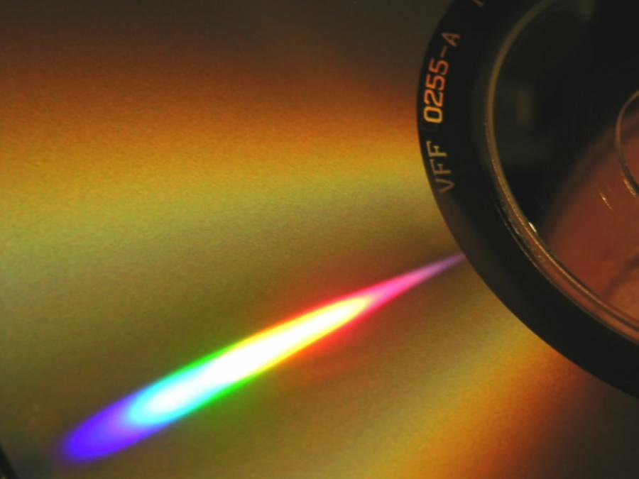 """- jetzt weiß man, warum es eigentlich """"CD's brennen"""" heißt..."""