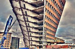 jetzt wird es endlich abgerissen des alte Justizgebäude