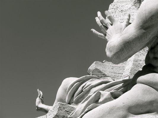 Jeu de mains (Piazza Navona, Roma)