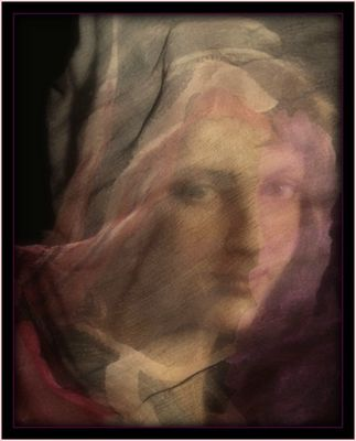 Jeune fille au foulard de soie