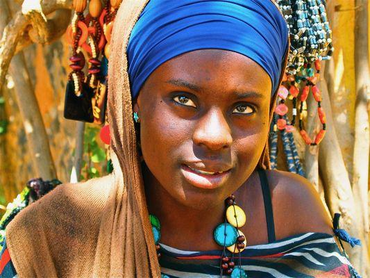 Jeune fille sénégalaise