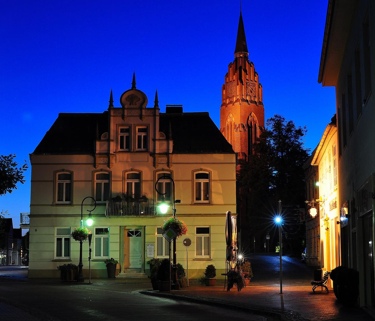 Jever - Altstadt zur blauen Stunde