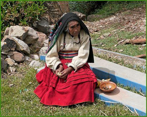 JF: Frau Cocablaetter Peru -fotografiert von Jeanfrankfoto