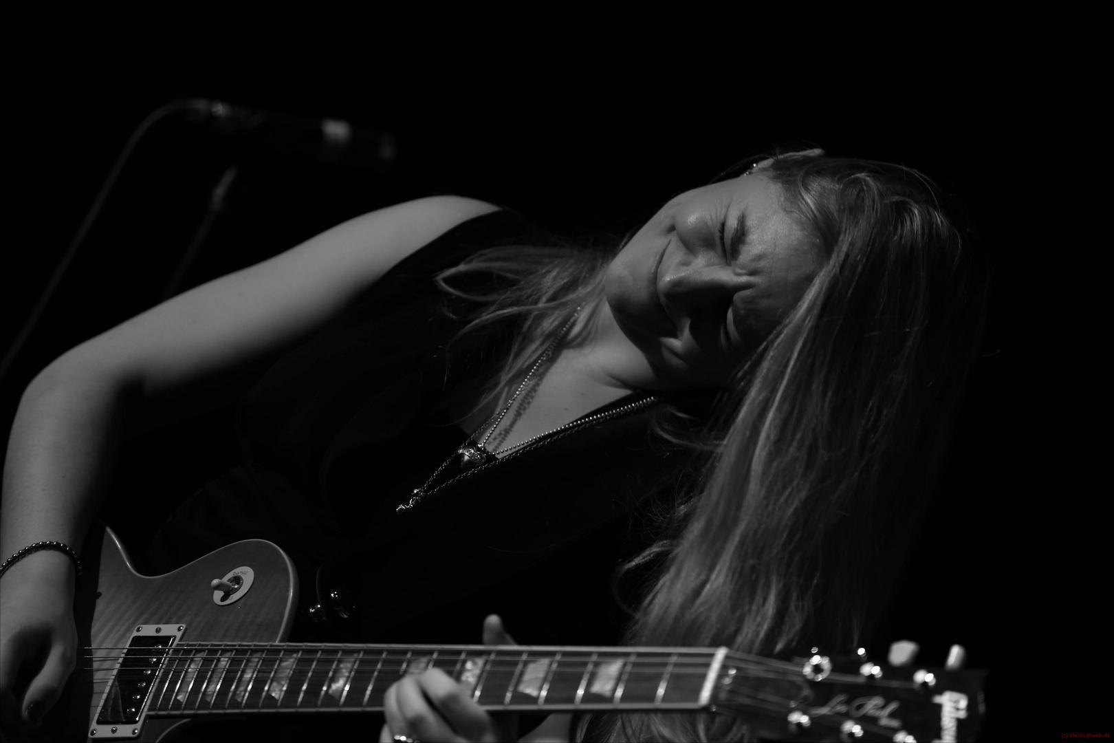 Joanne Shaw Taylor 2 - Bluescaravan 2013 - Nürnberg