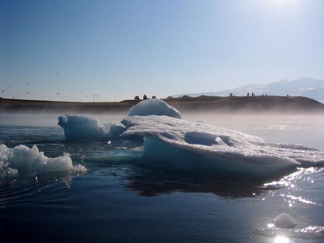 Jökulsarlon - Eis im Gletscherabfluss