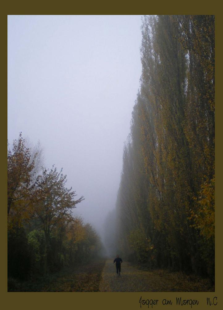 Jogger im Nebel