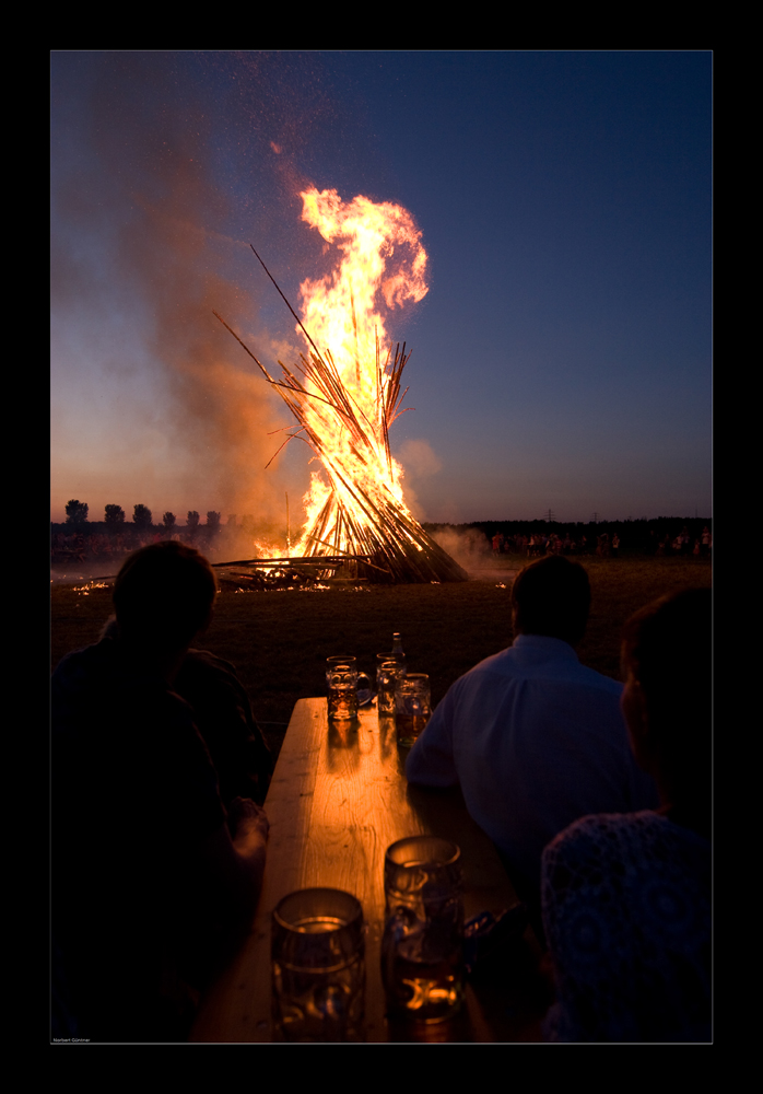 Johannifeuer - aka: fire watching