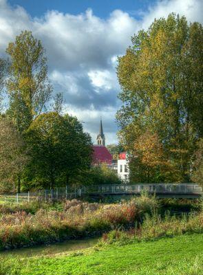 Johannisbach mit Schildescher Kirchturm