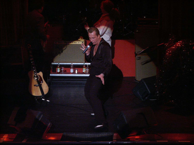 John Barron sings Elvis