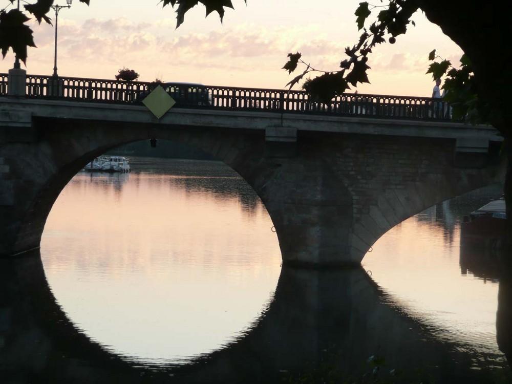 joigny, sous le pont