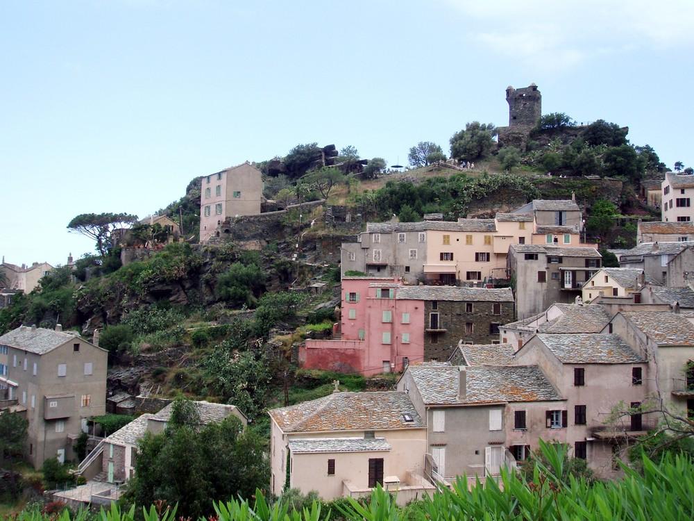 joli village de NONZA