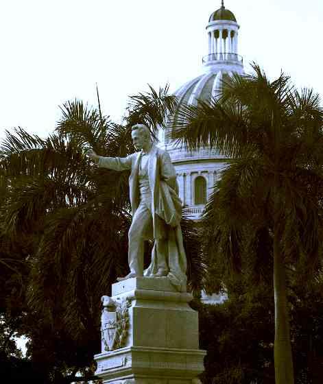 Jose Marti Statue im Parque Central, Havanna
