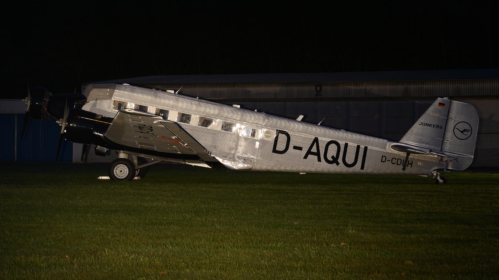JU-52 bei Nacht