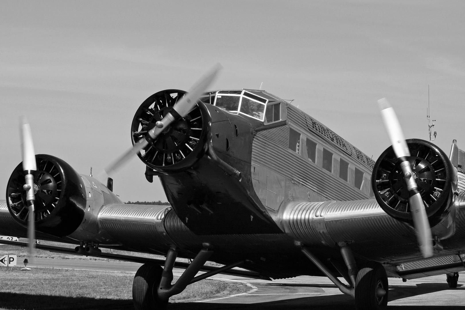 """Ju-52 """"Tante Ju"""""""