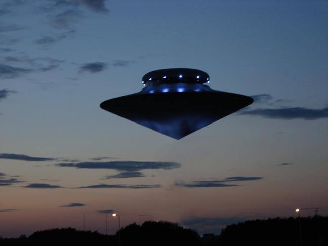 Jubiläumsbild: 50 Jahrer UFO-Entführungen in Deutschland :)