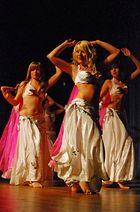 Jugendliche Tänzerinnen