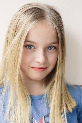 Juli - the girly