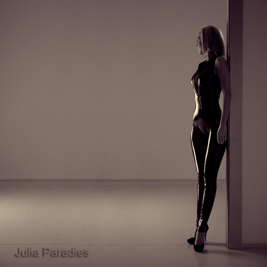 julia paradies foto bild modelle stellen sich vor weibliche modelle deutschland bilder auf. Black Bedroom Furniture Sets. Home Design Ideas