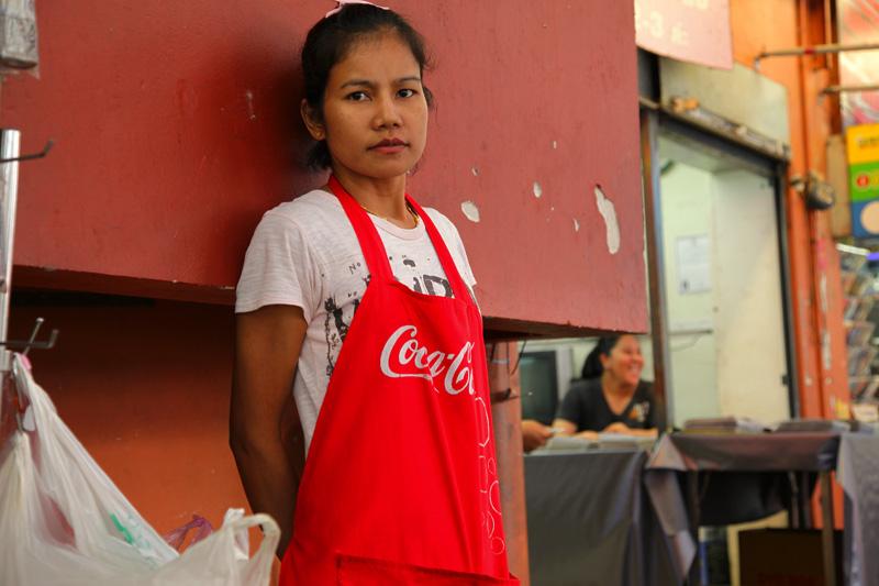 Junge Frau in Bangkok / Thailand
