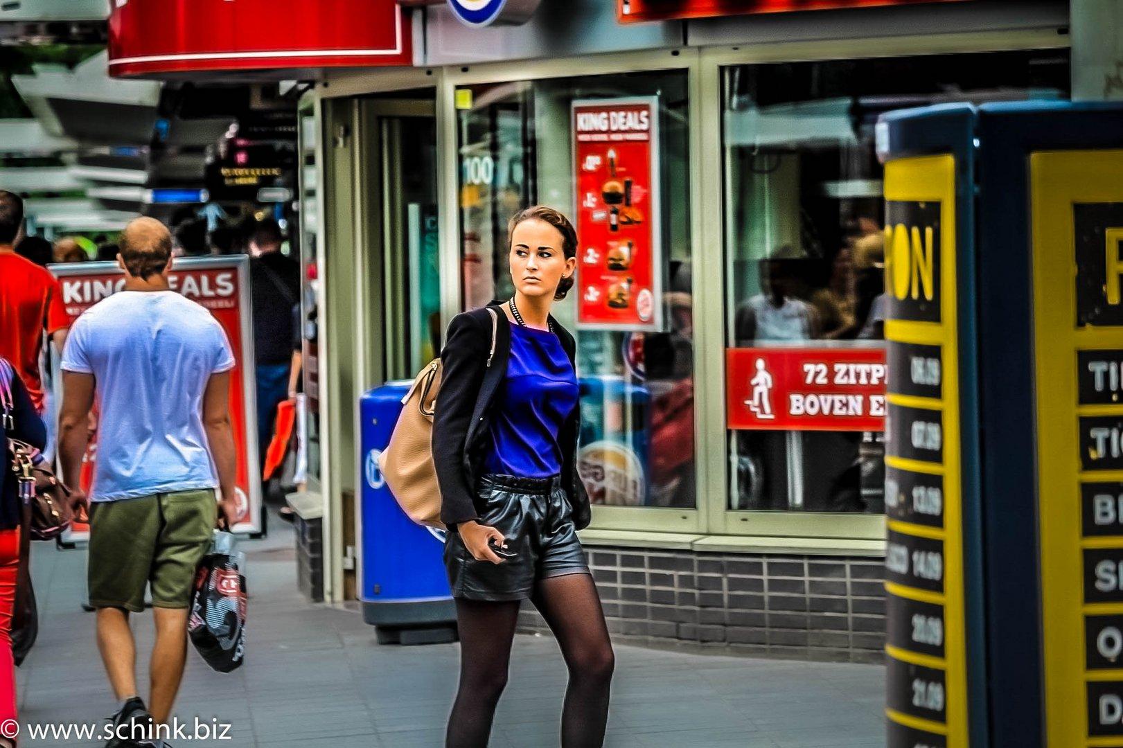 Junge Frau in Rotterdam
