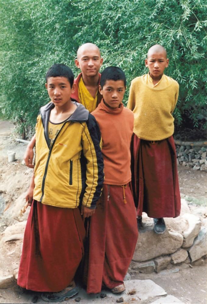 Junge Mönche im Himalaya