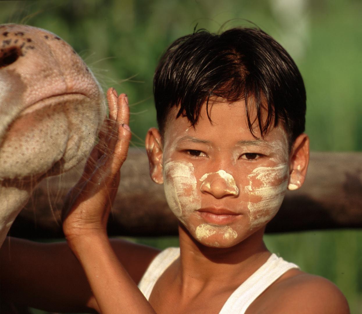 Junge, Myanmar 2004
