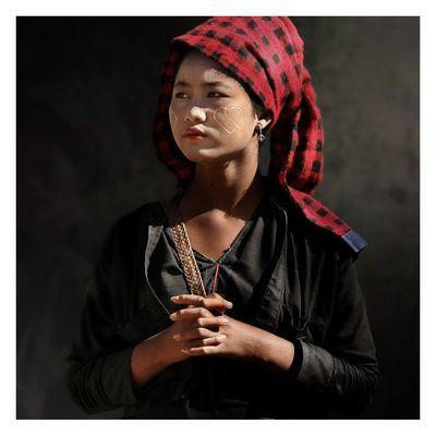 Junge Shan-Frau