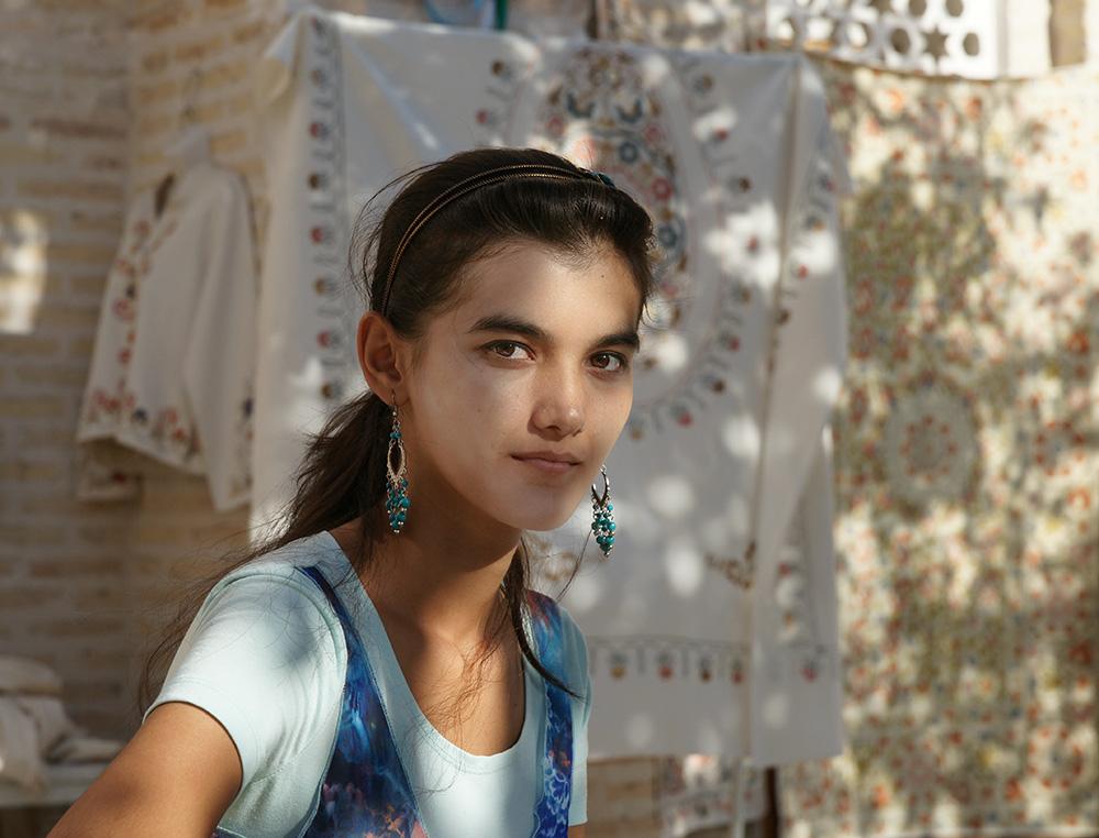 Junge Uzbekin