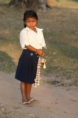 Junge Verkäuferin in Angkor Wat