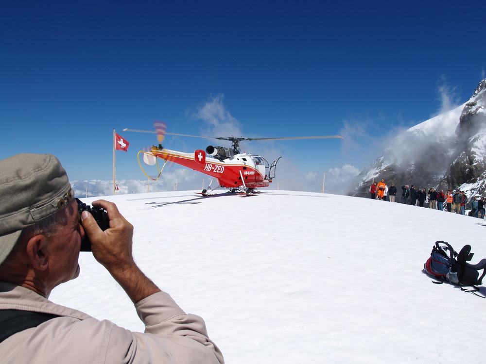 Jungfrau et hélicoptère