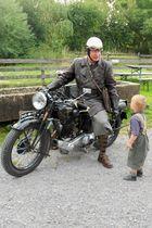 Jungs und Motorräder
