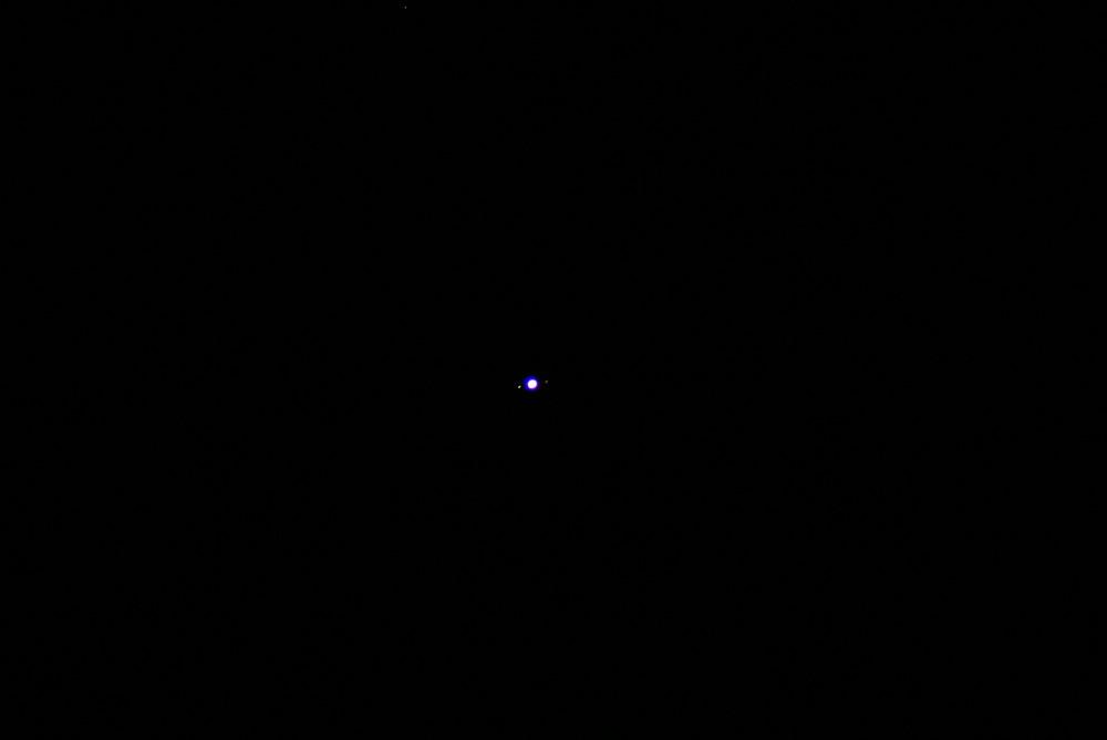 Jupiter et deux de ces satellites