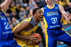 Justin Sears   MHP Riesen Ludwigsburg - Ventspils 84 : 68