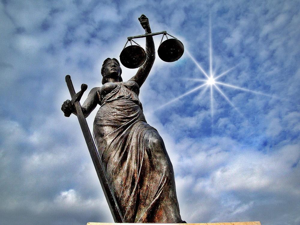 """** """" Justitia """" ** Das Weltweite """" SYMBOL"""" für Gerechtigkeit"""