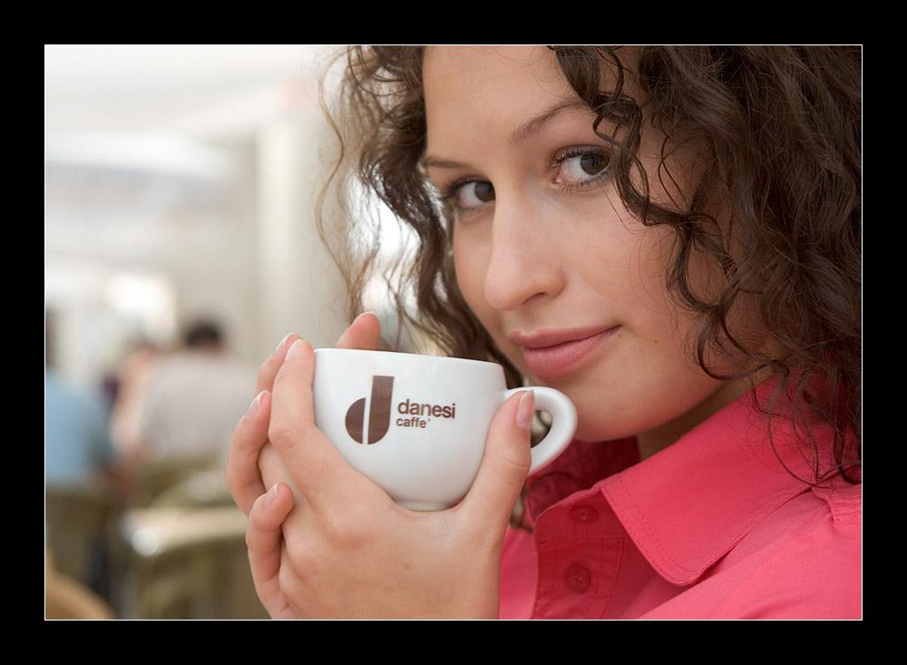 Kaffee am Morgen, vertreibt Kummer und Sorgen