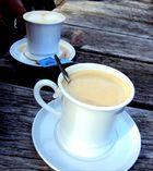 Kaffee mit und ohne Fußbad