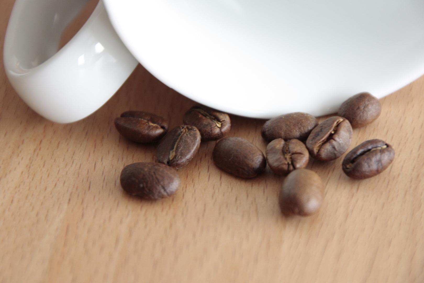 Kaffee + Tasse = Kaffeetasse