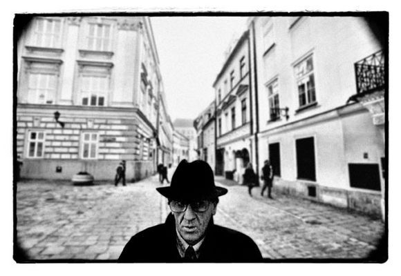 Kafka meets Gogol