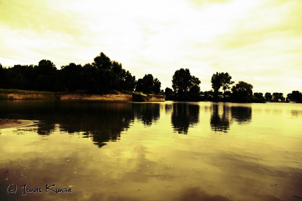 Kahn am Eicher See