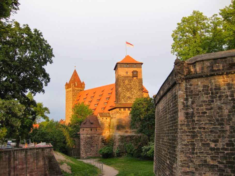 Kaiserburg Nürnberg im Abendlicht