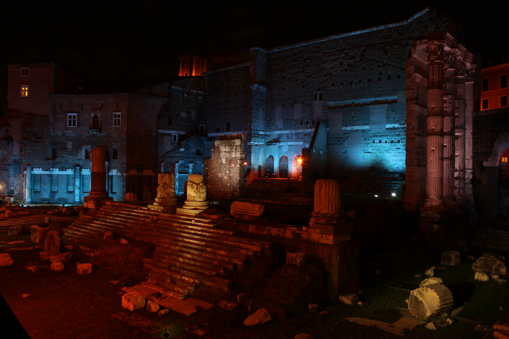 Kaiserforen bei Nacht (2)